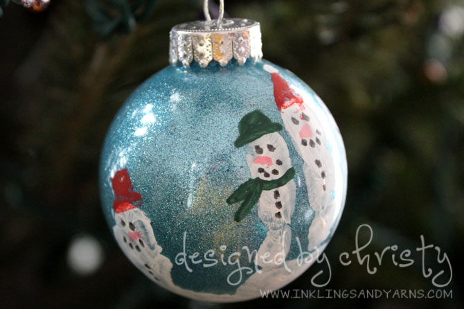 Hand Print Snow Man Christmas Ornament | www.inklingsandyarns.com