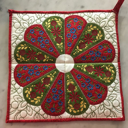 Christmas Trivet - Dresden Applique